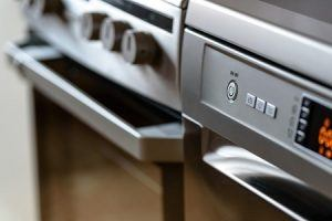 The basic process of oven self-cleaning