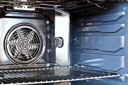 Tips For Cleaning The Oven After A Big Meal